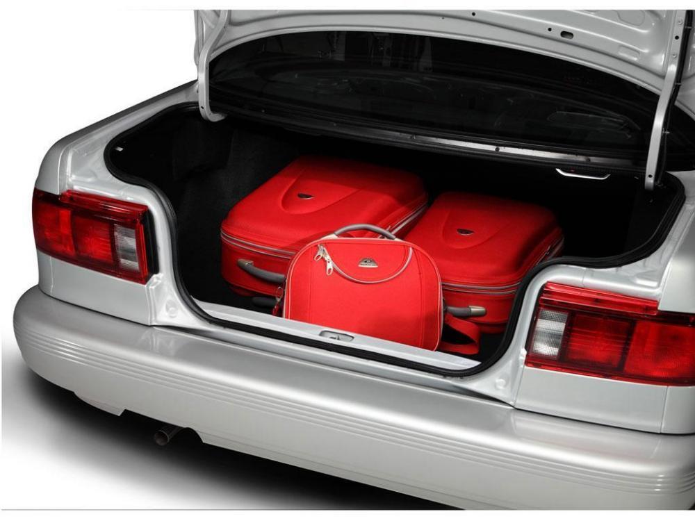 Nissan Tsuru 2017: precios y versiones en México Cajuela amplia del Nissan Tsuru 2017
