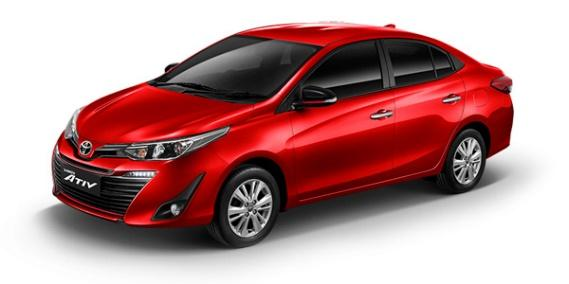 El nuevo Toyota Yaris Sedán 2018 color rojo cuenta con una apariencia rediseñada más dinámica