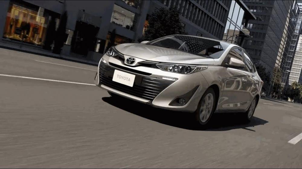 Toyota yaris 2018 color plata en camino
