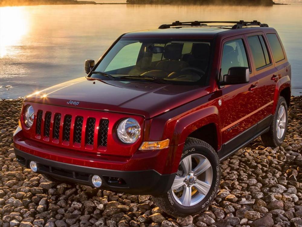 Según Automexico, el diseño del Jeep Patriot 2017 le dio las características básicas de Jeep a la de un auto moderno, con esquinas redondeadas y no tan rígidas como el Wrangler.