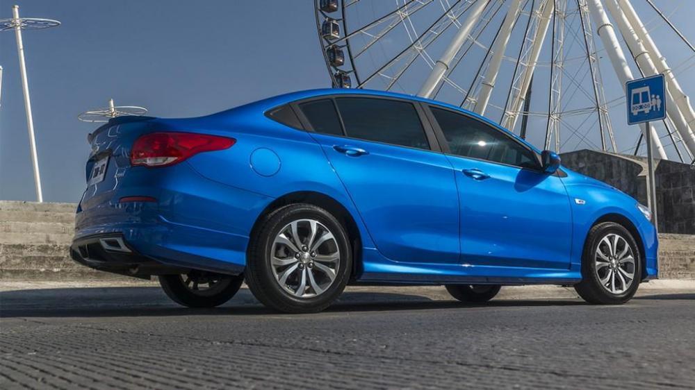 La carroceria del nuevo Chevrolet Cavalier 2018 color azul