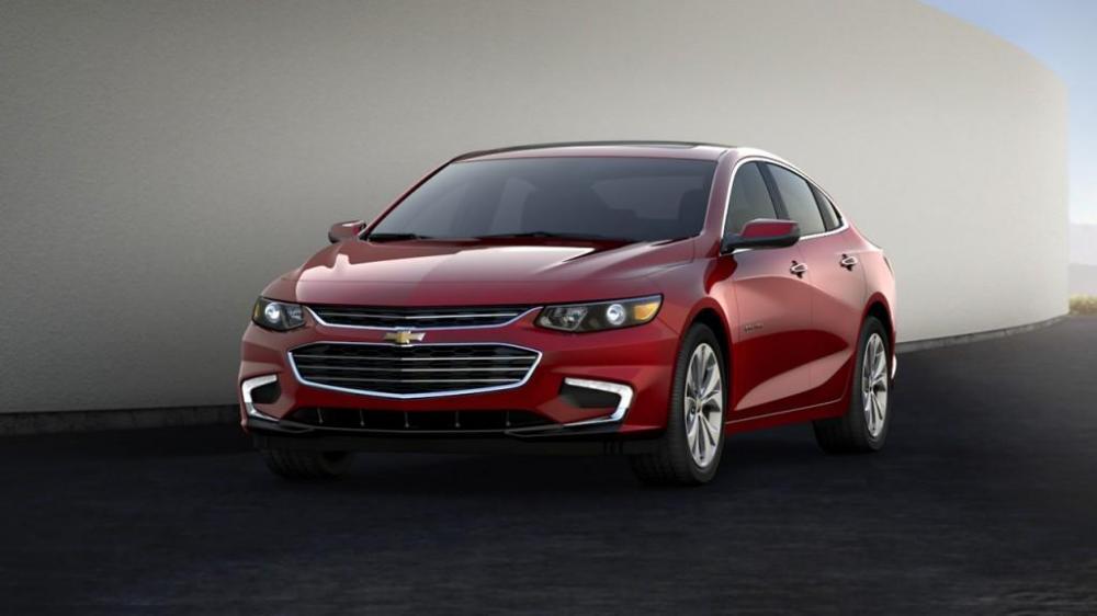 Faros LED que resaltan la personalidad y carácter del nuevo Chevrolet Malibu 2018 color rojo