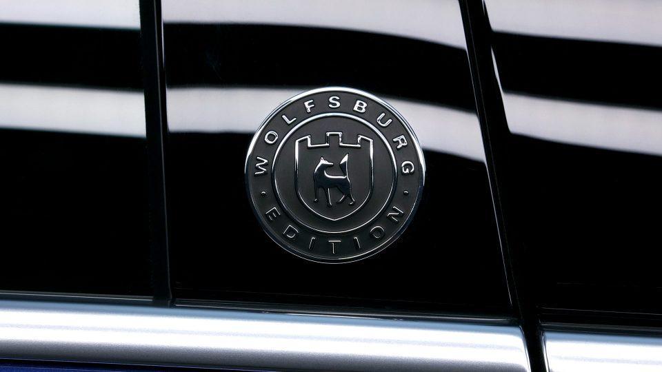 el logo en la carroceria del nuevo touareg 2018
