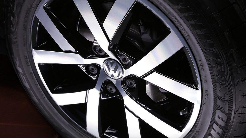 Llanta deportiva del nuevo Volkswagen touareg 2018 color negro