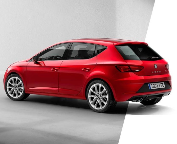 un hatchback de color rojo