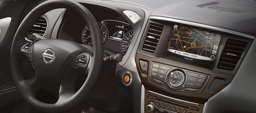 Nissan Pathfinder 2018: precios y versiones en México Volante forrado de piel y Sistema de Navegación de pathfinder 2018 mexico