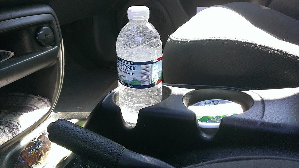 botella de agua en coche auto en méxico