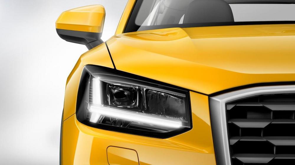 Audi Q2 2018: precios y versions en México - faros LED y contornos en carbono del nuevo audi q2 2018 color amarillo