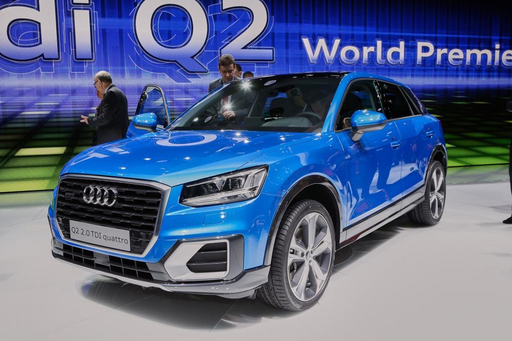 Audi Q2 2018: precios y versions en México: audi q2 2018 color azul en autoshow