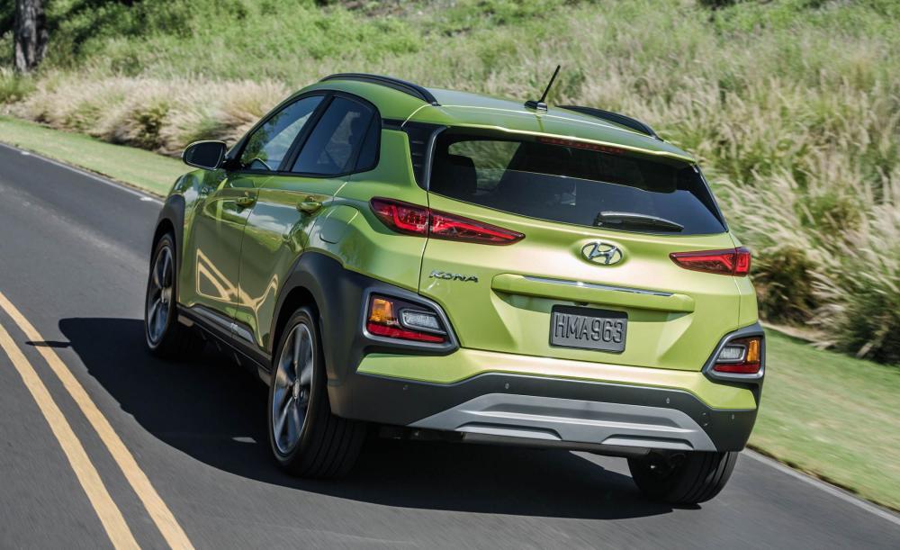 Hyundai Kona 2018: precios y versiones Aspecto trasero de Hyundai Kona 2018 precio color verde