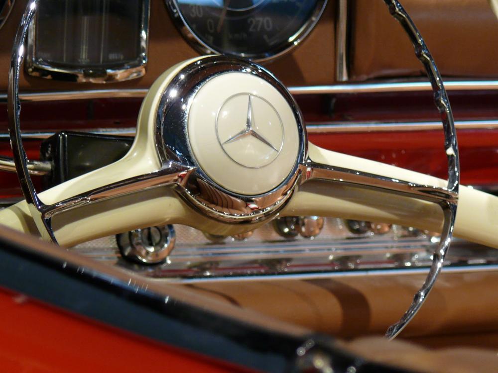 mercedes benz logo, agencia Mercedes Benz