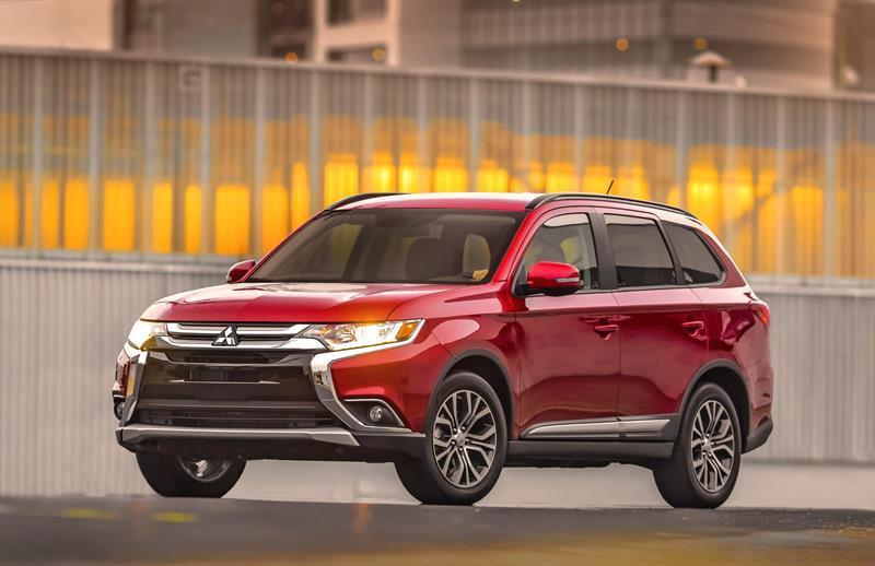exterior de Mitsubishi Outlander 2018 color rojo