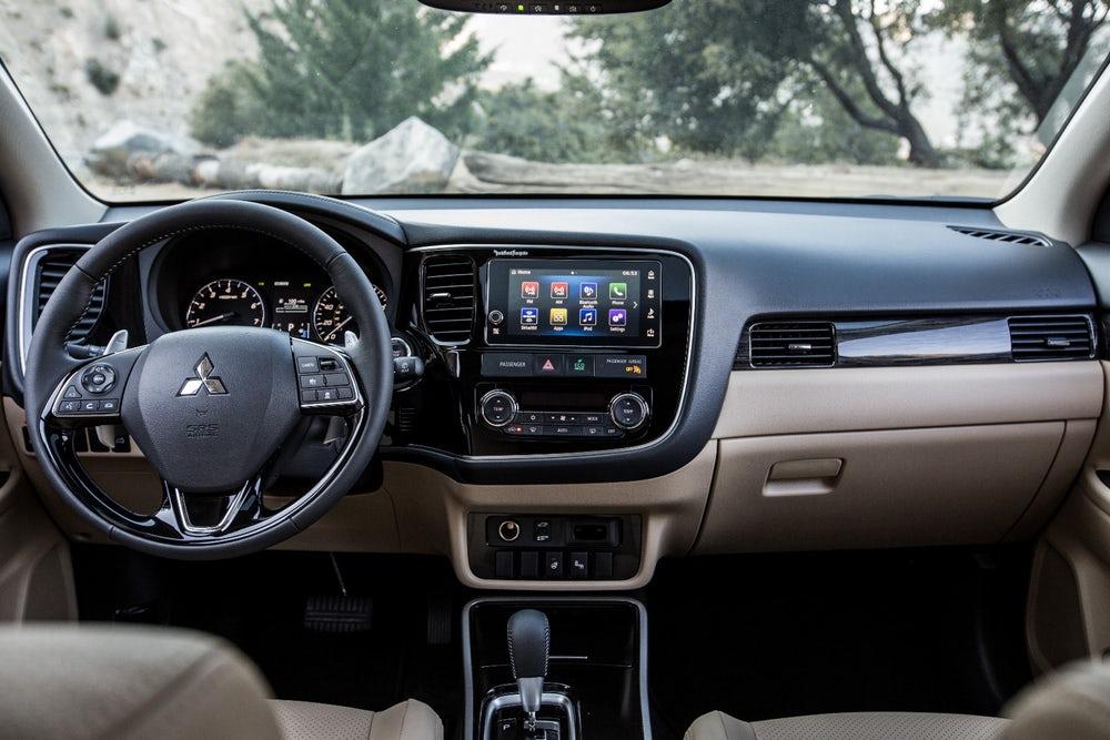 Interior del Mitsubishi Outlander 2018