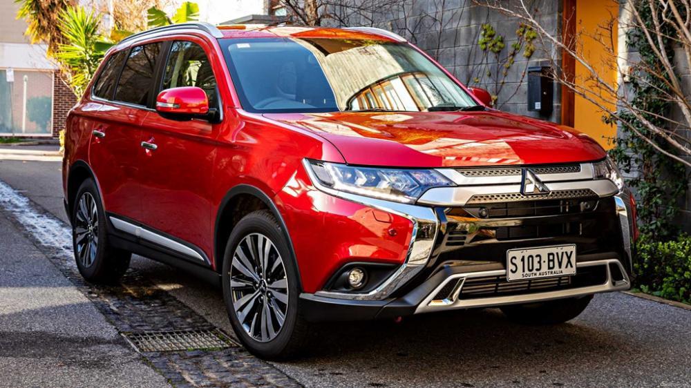 Mitsubishi Outlander 2019 de color rojo
