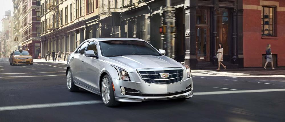 Cadillac ATS precio color plata