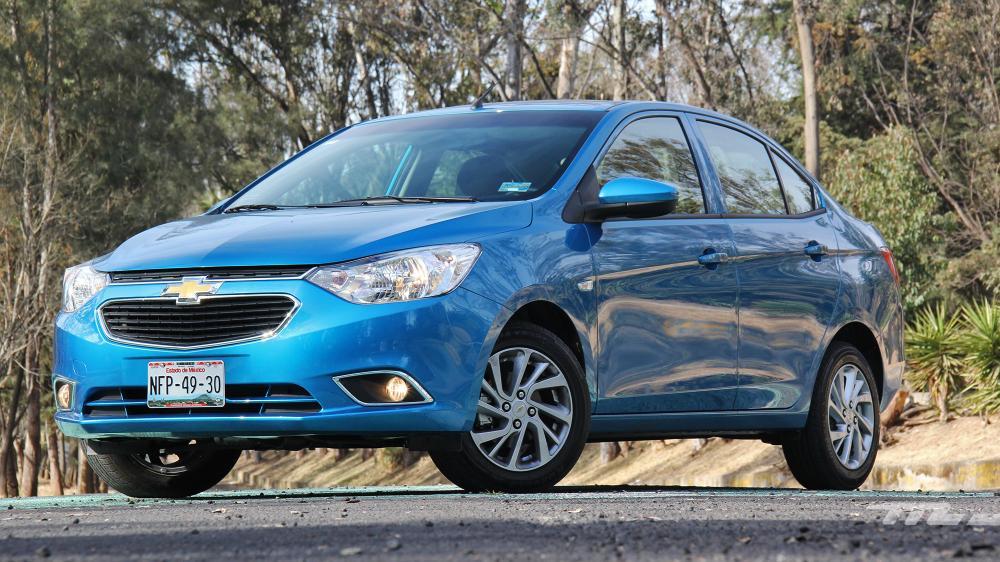 Comparación del exterior Chevrolet Aveo 2018 vs. Hyundai Accent 2018