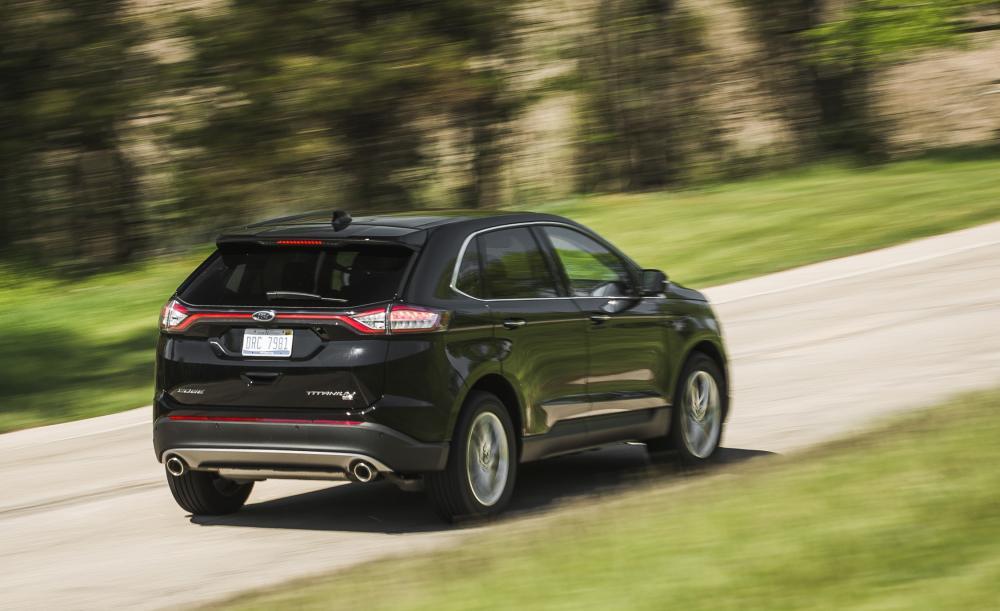 El Ford Edge 2018 tiene instalado un motor de 4 cilindros y 2.0 litros como equipamiento estándar