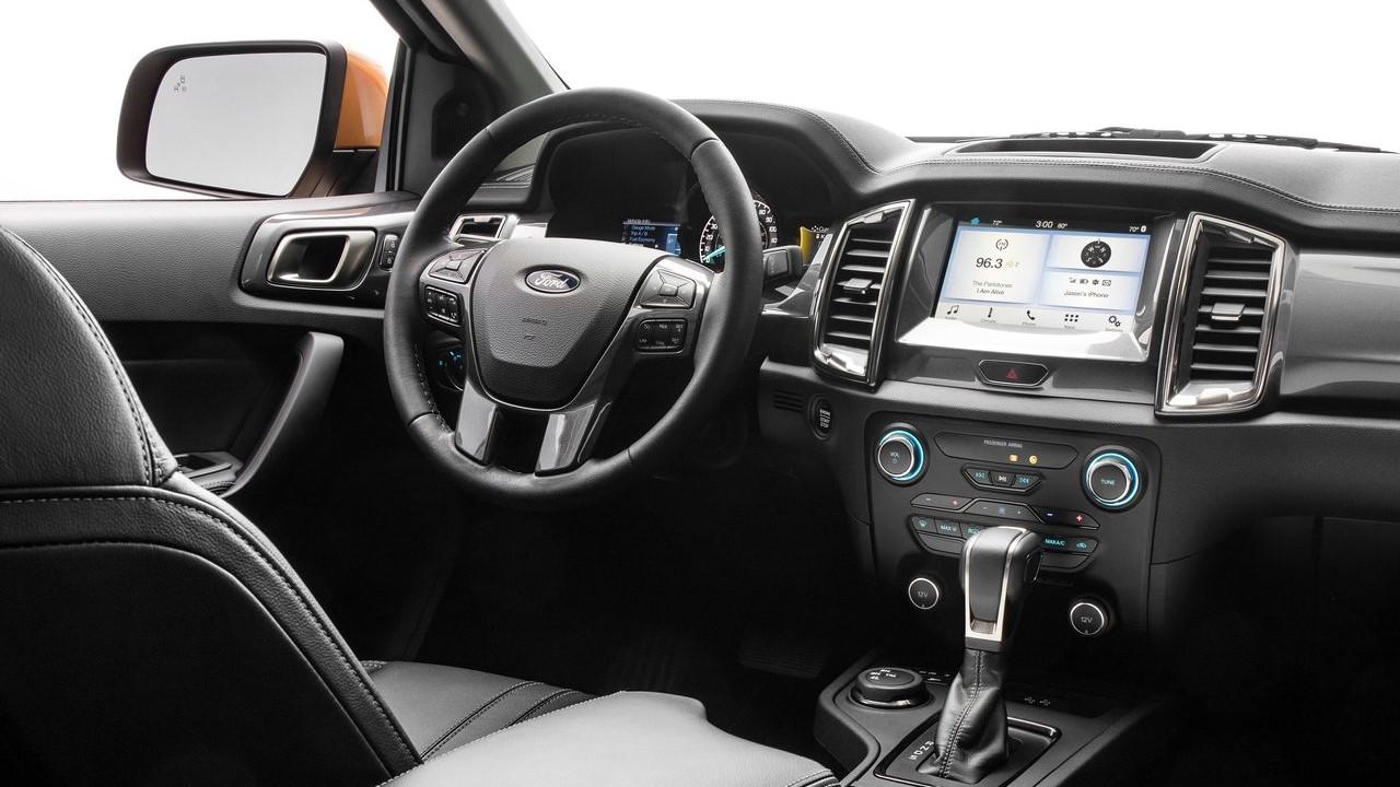 Android Auto y Apple CarPlay estarán disponibles, por supuesto.