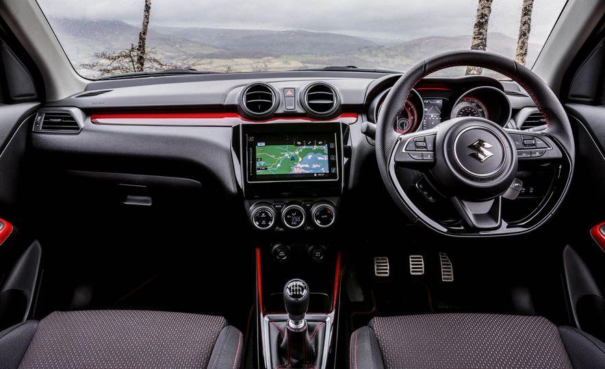 Interior de Suzuki Swift 2018