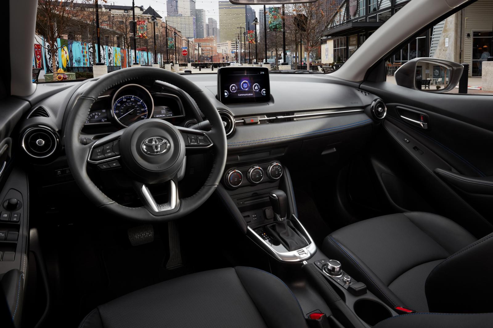 Interior de Mazda 2 Sedán 2018