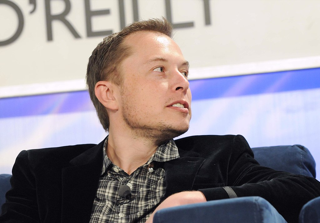 El polémico Elon Musk, quien por fin cumplió lo que prometió