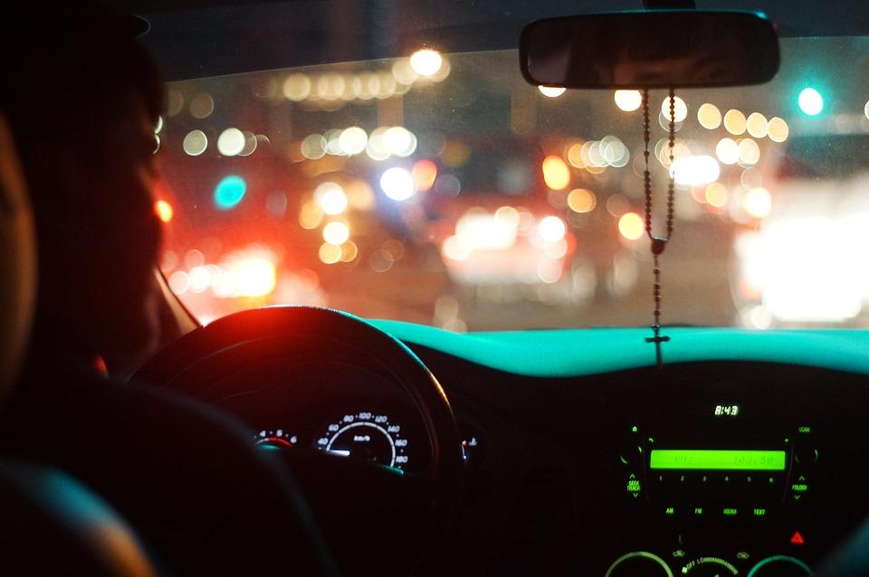Como prevenir accidentes en la calle de noche