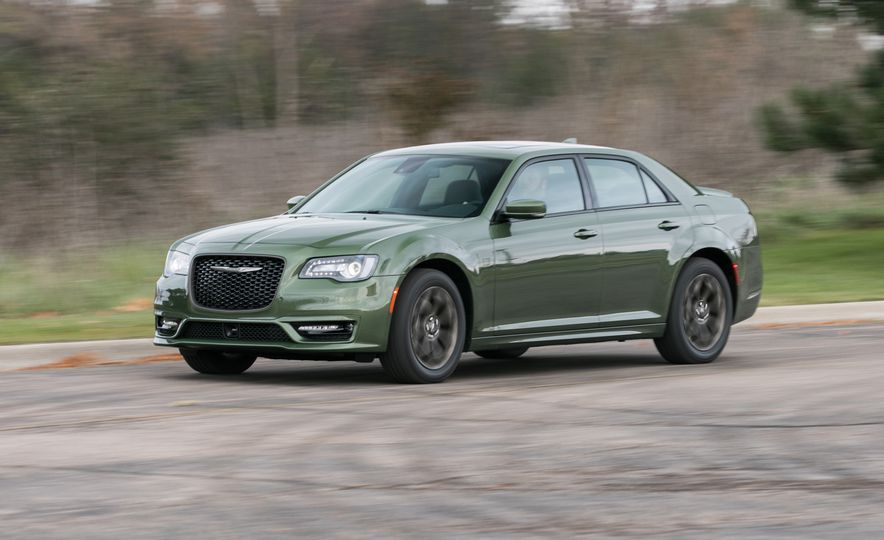 Chrysler 300 2018: precios y versiones en México Chrysler 300 precio modelo 2018 color verde