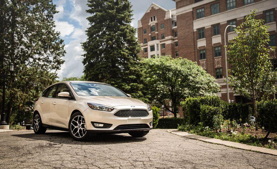 Totalmente nuevo Focus fabricado por la compañía General Motor de la empresa Ford