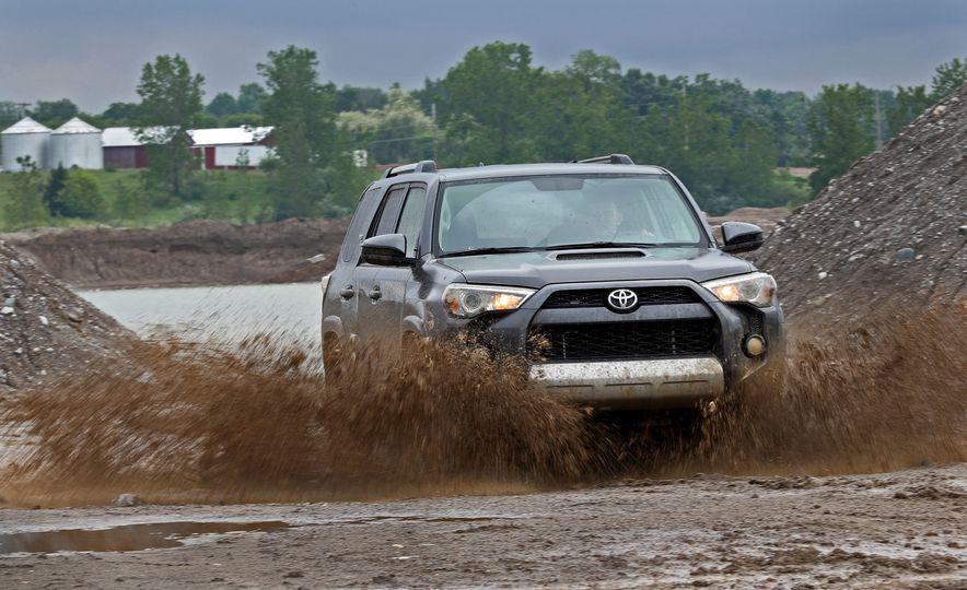 Toyota 4Runner 2019: precios y versiones en México Faro de proyección delantero de Toyota 4Runner 2019 precio