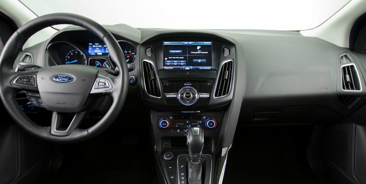 interior de ford focus