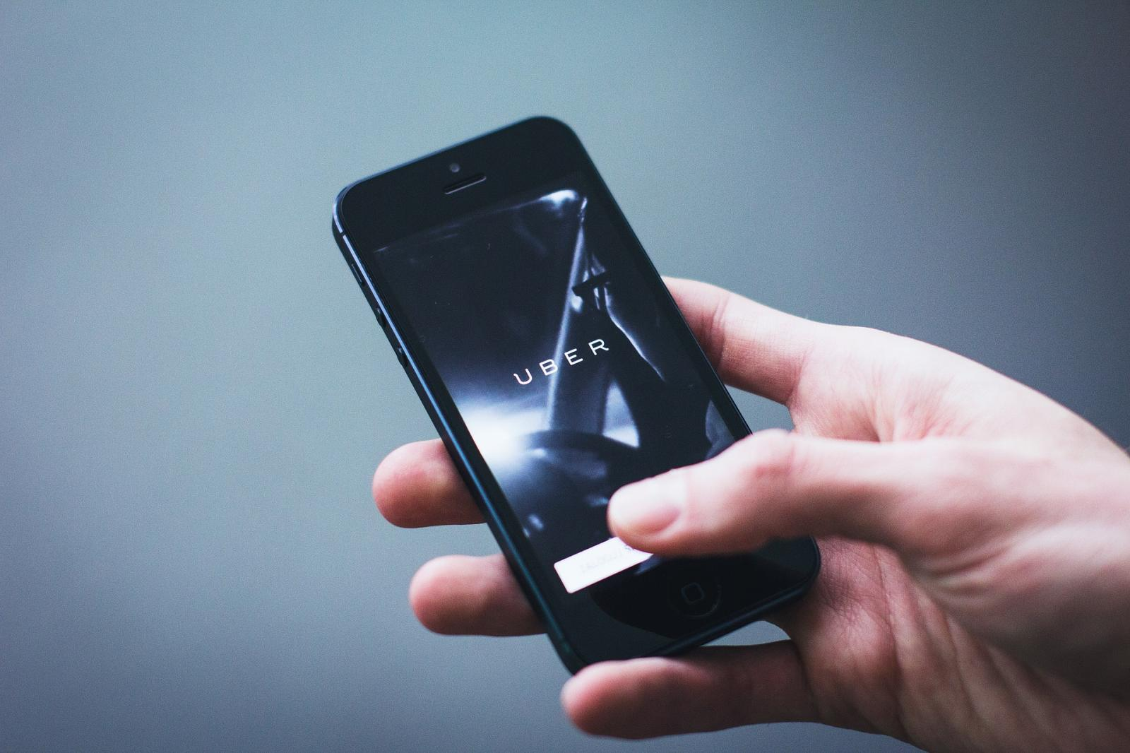 Cerca de 10 millones de clientes más podrían acceder a Uber si se aprueba el pago en efectivo