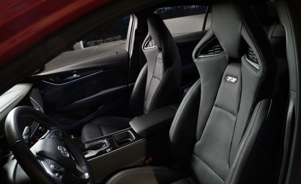 Buick Regal GS 2018 precio: precios y versiones en México El Buick Regal GS 2018 precio cuenta con asientos de lujo