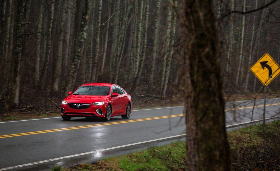Buick Regal GS 2018 precio: precios y versiones en México Buick Regal GS 2018 precio color rojo