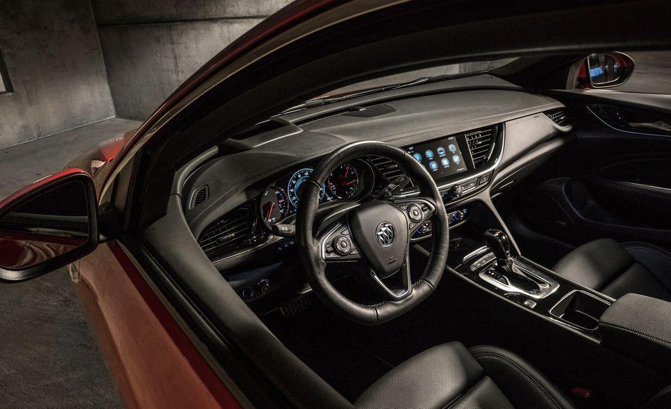 Buick Regal GS 2018 precio: precios y versiones en México Buick Regal GS 2018 precio se Incorpora particularidades de infoentretenimiento para el disfrute de los usuarios