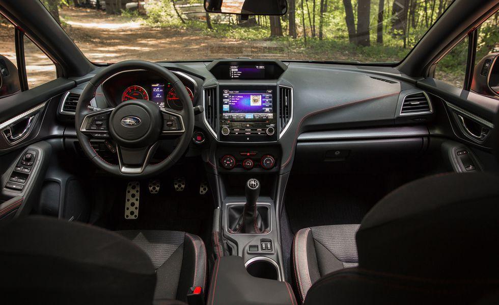 Subaru Impreza 2018: precios y versiones en México El espacio interior del Subaru Impreza precio modelo 2018 consigue un considerable equilibrio entre la practicidad, la calidad de acabados y la disposición de nuevas tecnologías