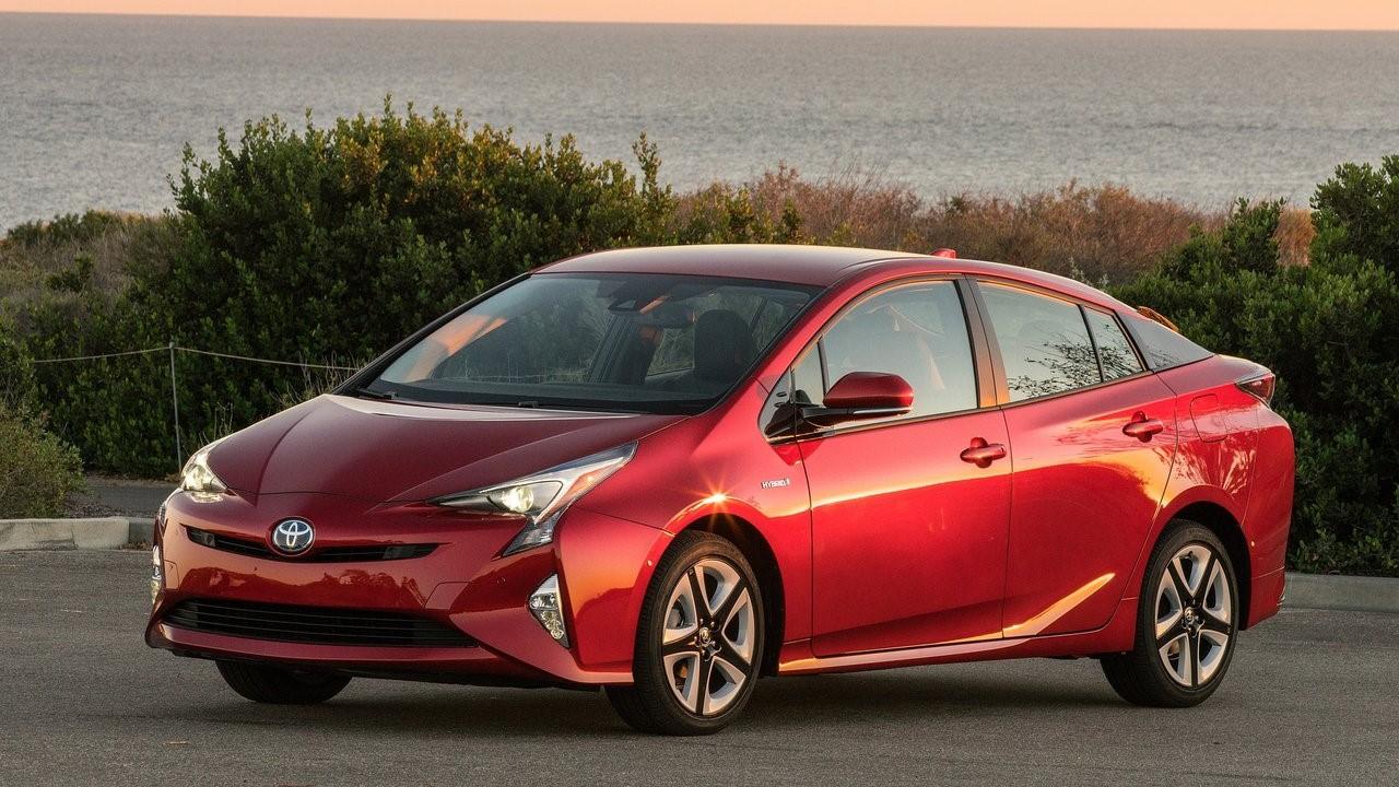 Toyota Prius 2019 rojo