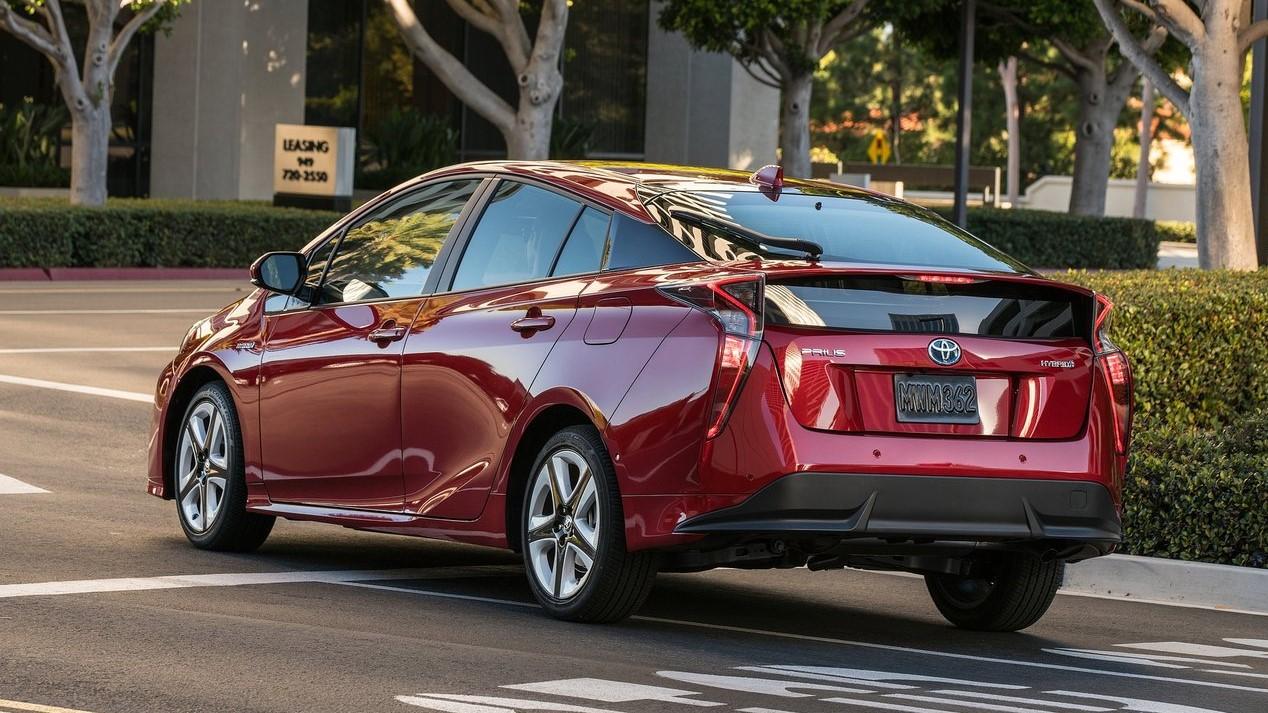 Toyota Prius 2019 vista trasera