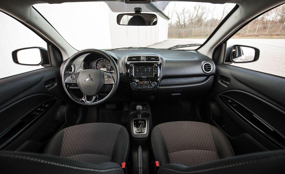 Interior Mitsubishi Mirage 2018 precio