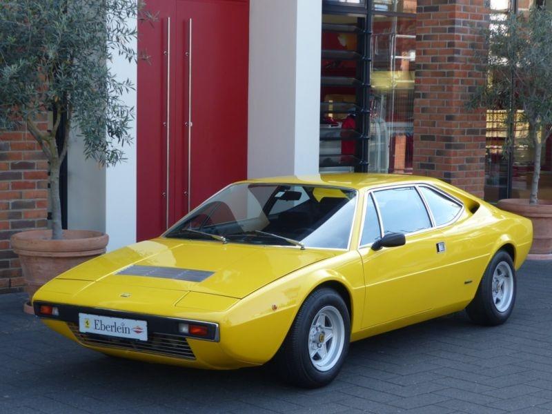 Ferrari Dino 308 GT4 del año 1974