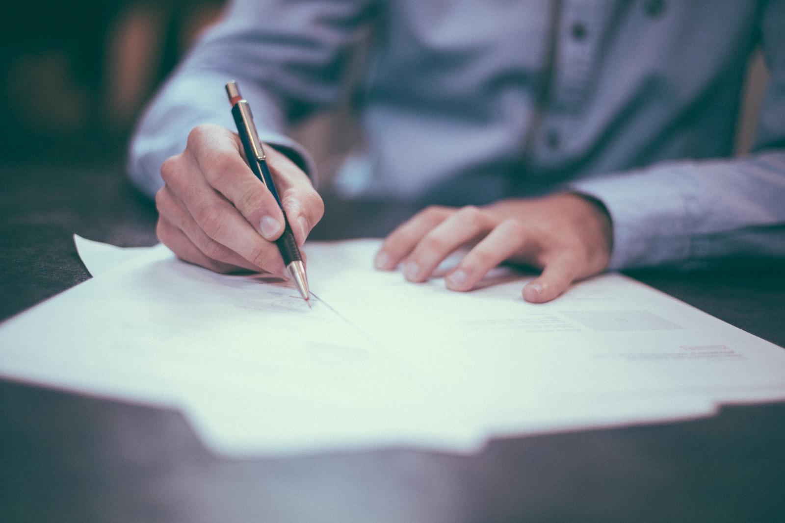 Antes de firmar un contrato de compraventa es importante que investigues que tan buenas son realmente las promociones del Buen Fin