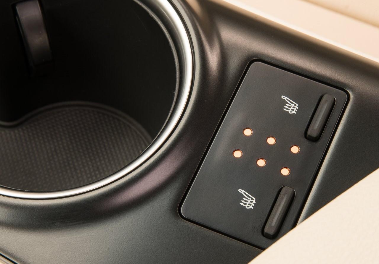 Toyota Camry Híbrido 2019: Ventajas y desventajas
