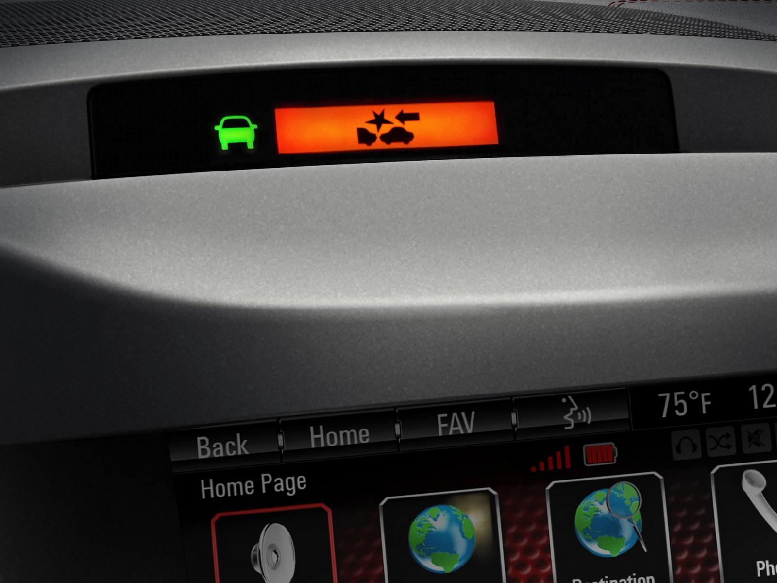 Sistema de alerta de colisión frontal con frenado automático