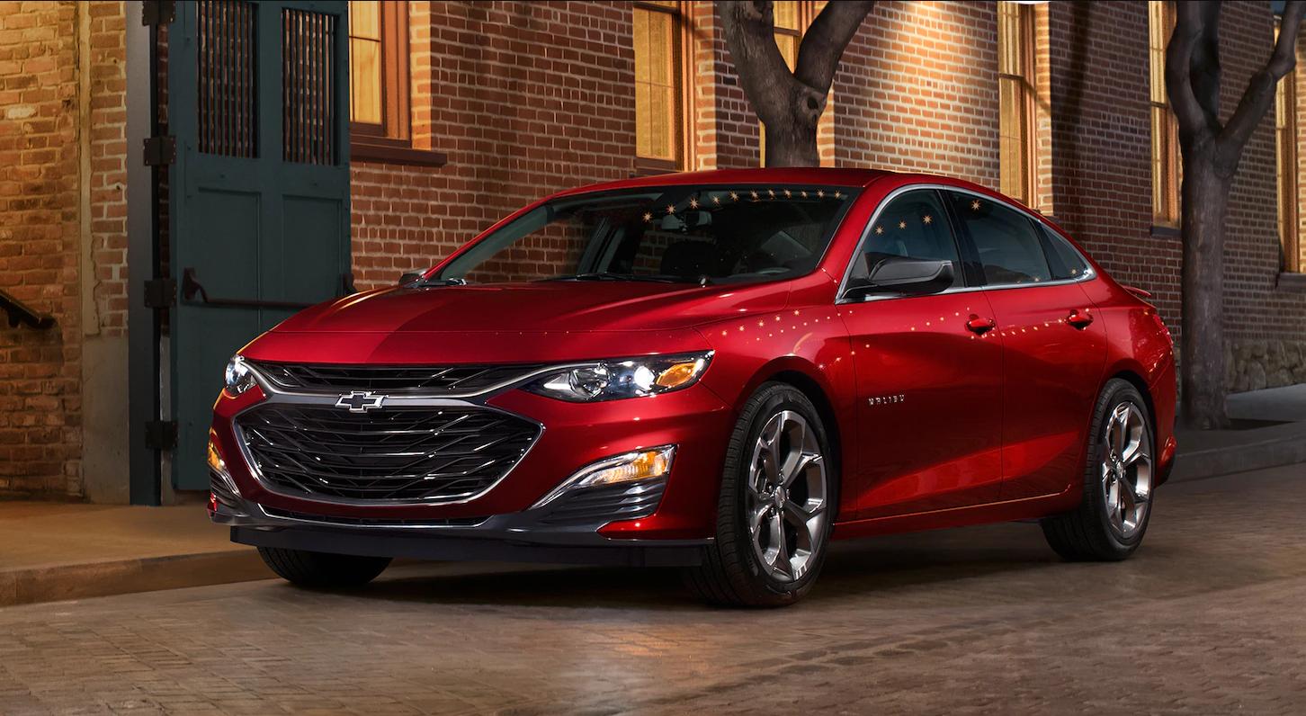 Autos mas economicos en combustible Chevrolet Malibu color rojo