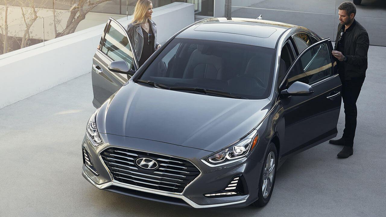 Hyundai Sonata color gris