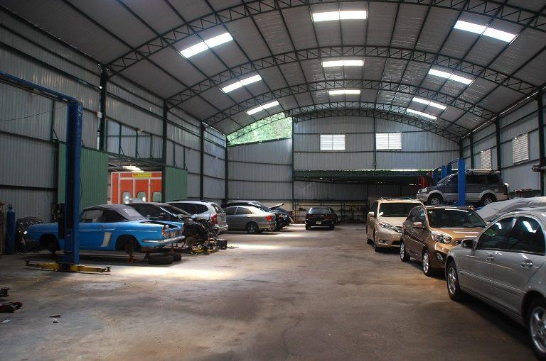 Un taller de autos