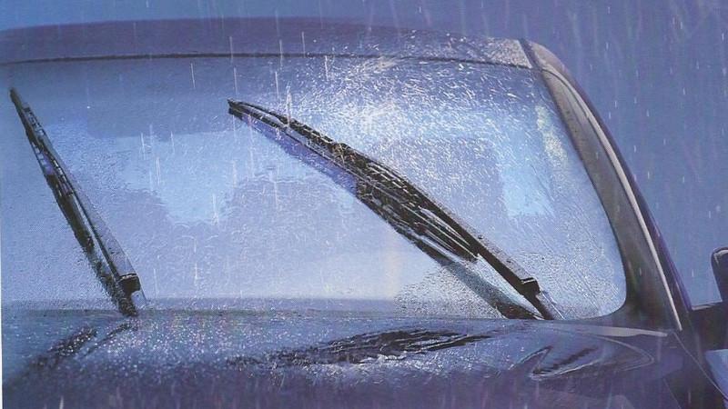 Tip para conducir bajo la lluvia