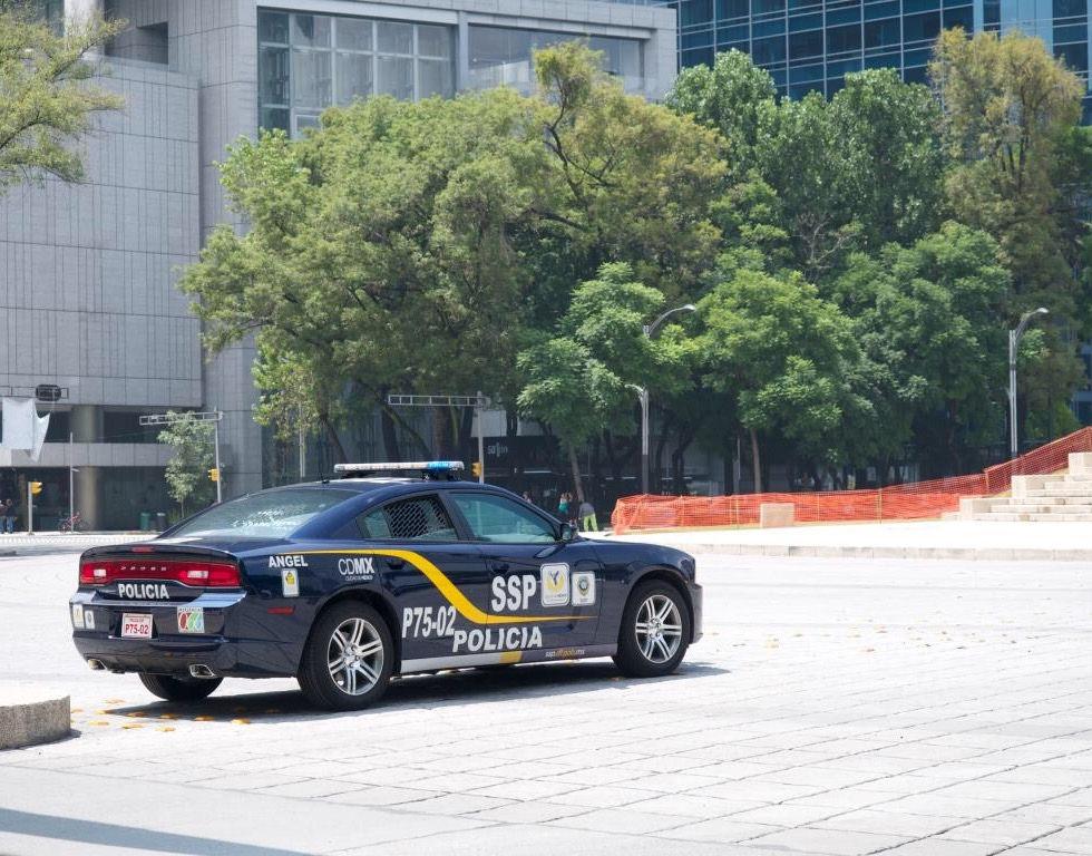 Sigue siempre las indicaciones de las autoridades aunque contradigan los señalamientos de tránsito.