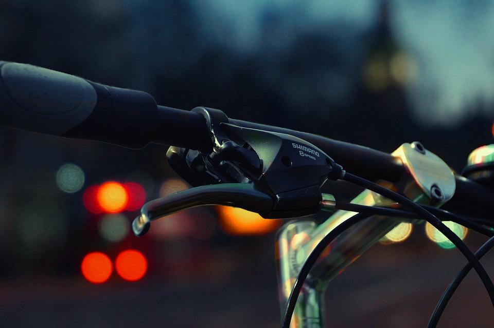 Los ciclistas deben ser respetados, indica el Decálogo del buen conductor