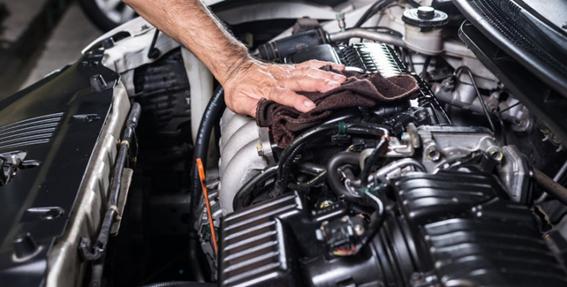 Lavado de motor de autos