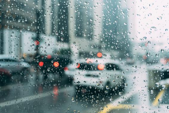 Vidrio en día lluvioso